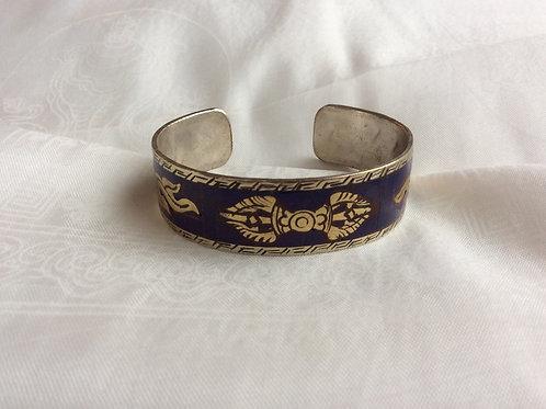 Bracelet en métal incrusté de Vajras
