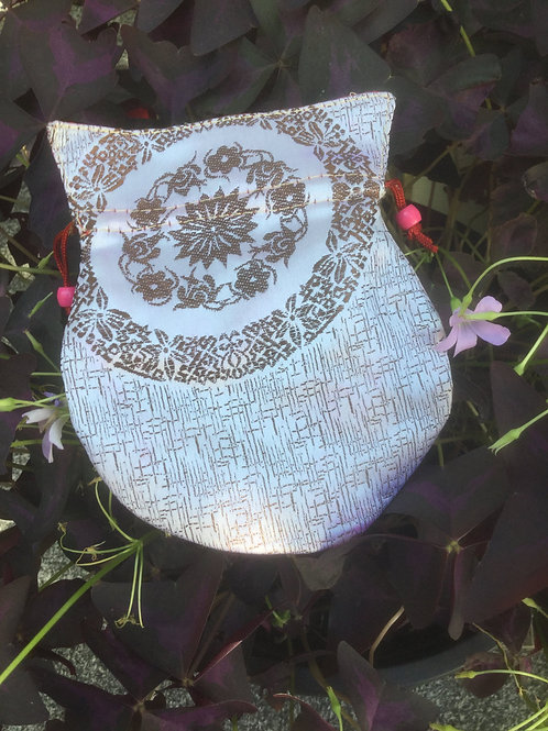 Mala pouch in white and brown satin (small)