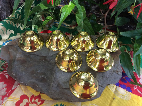 Bowls(7) for offerings in polished brass (4 cm)