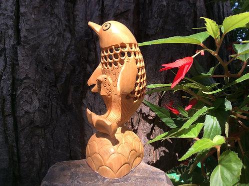 Dauphin de bois sculpté avec bébés intégrés 13.5