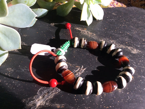 Bracelet handmade in Tibet ,painted bone beads and natural stones