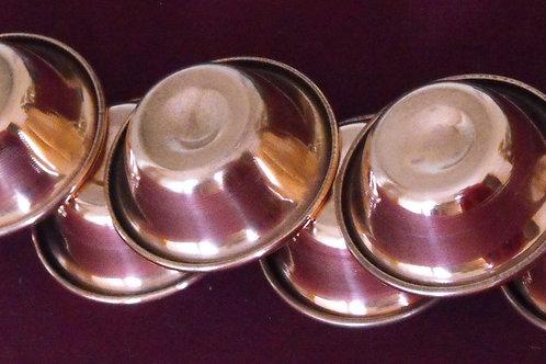 Bols(7)  d'offrande en cuivre moulé
