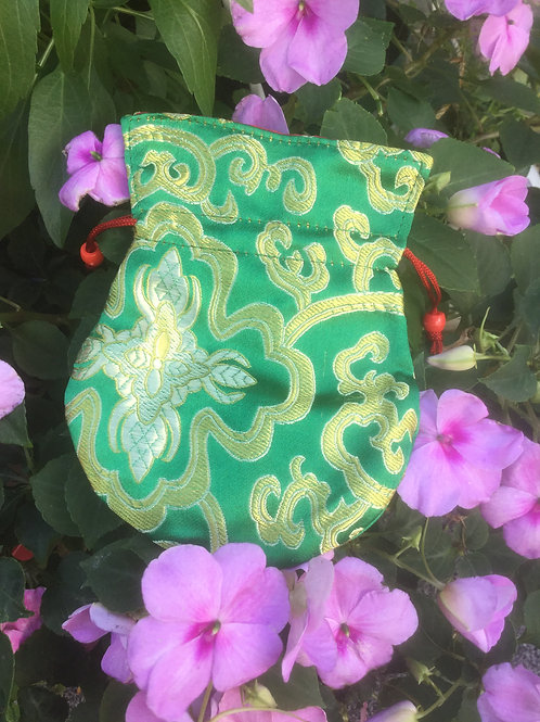 Mala pouch in green satin (small)