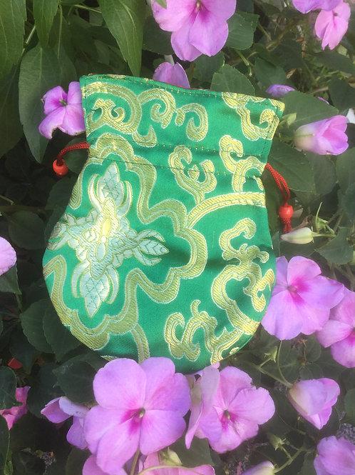 Mala pouch in green satin