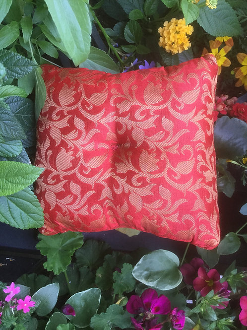 Cushion for singing bowl, square and cherry red