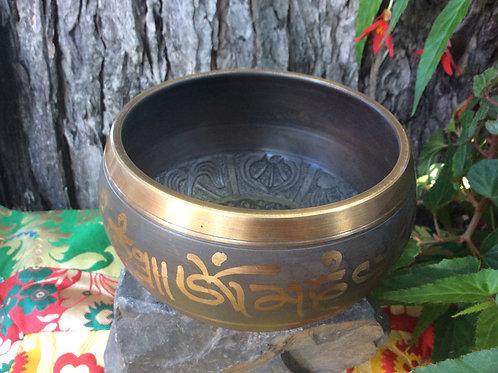 Tibetan singing bowl 14 cm, brown and gold
