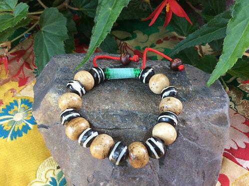 Bracelet handmade in Tibet, natural or painted bone beads, adjustable