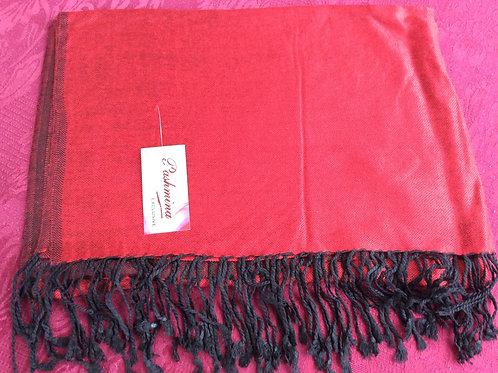 Shawl in light pashmina in red with black fringe