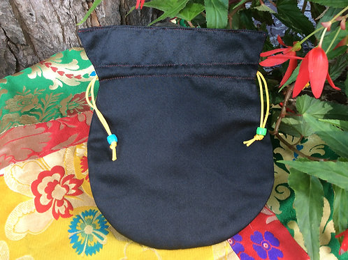 Pochette à mala de satin noir
