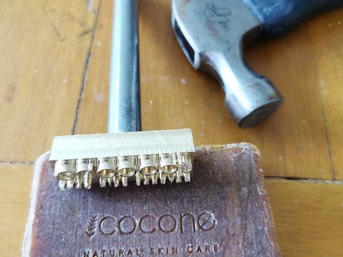 Punzón de metal para jabones y/o cerámica