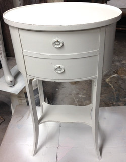 OVAL SOLID WOOD SIDE TABLE