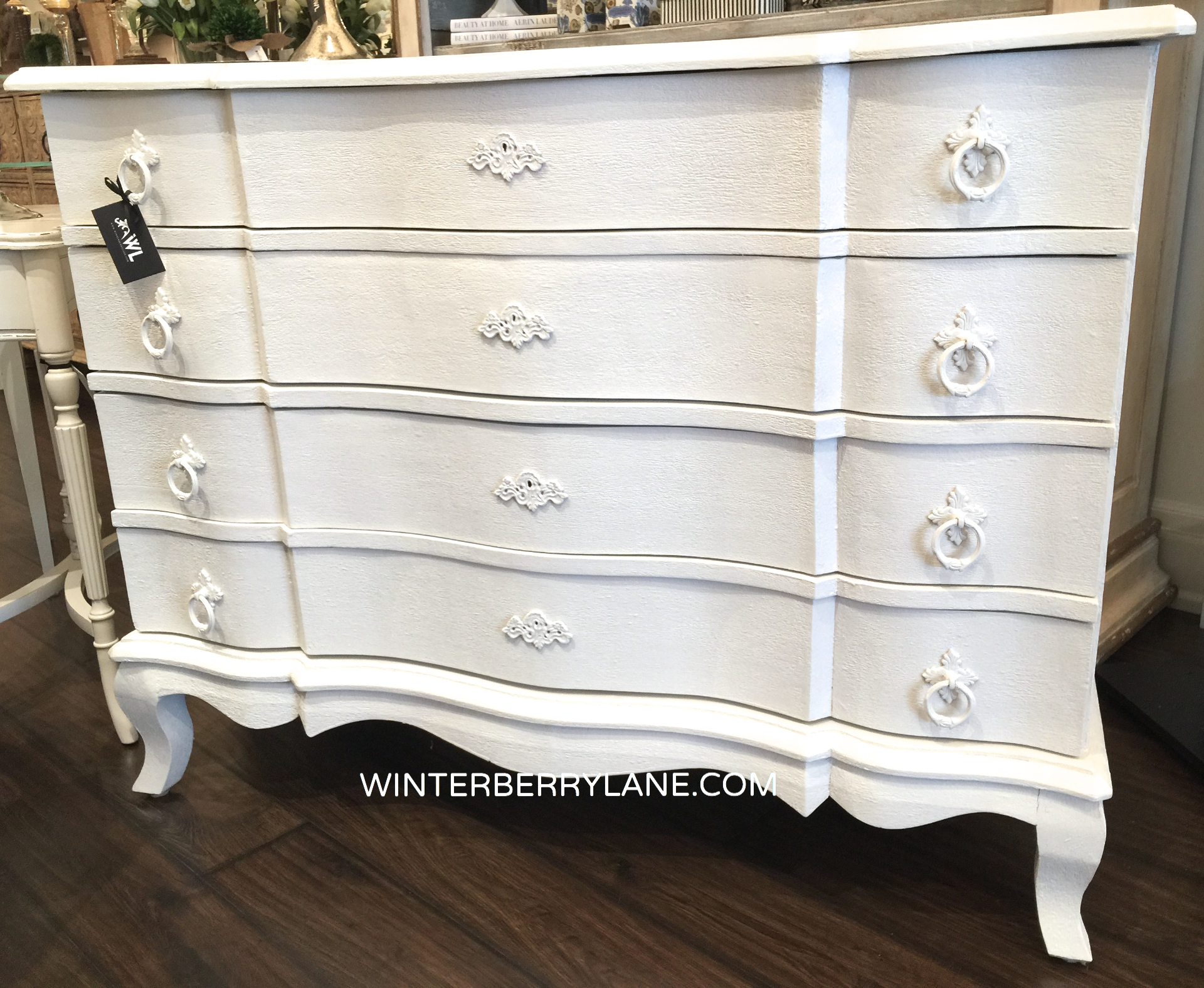 4-DRAWER FRENCH STYLE DRESSER