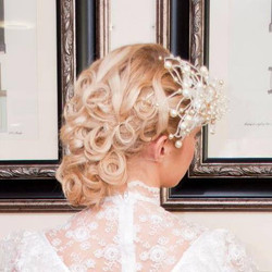La Mon Hotel wedding hair
