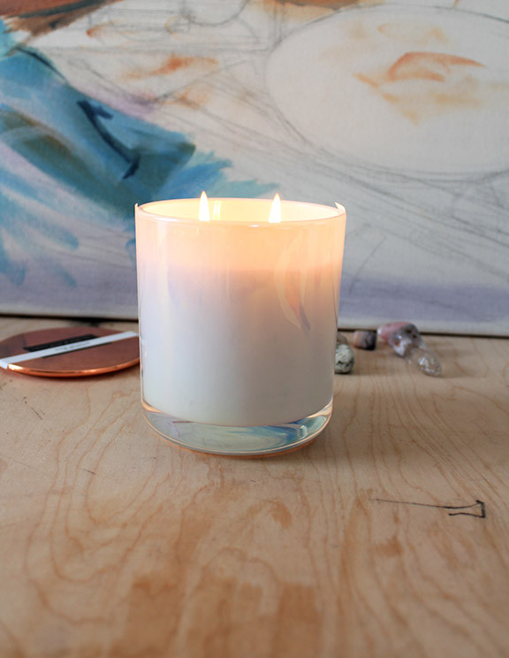 double wick candle 13 oz iridescent