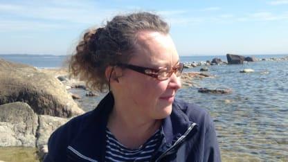 """""""Onko vanhana pakko olla pirteä?"""", kysyy Johanna Korhonen Yle 1 ohjelmassa """"Valkoista valoa""""."""