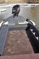 Лодка discovery кокпит