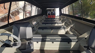 Салон лодки Туруханка с диванами