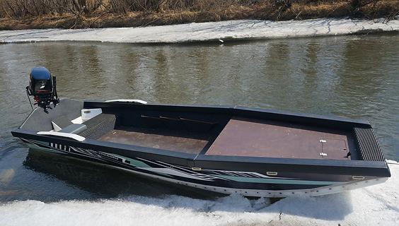 Лодка Дискавери вид сб