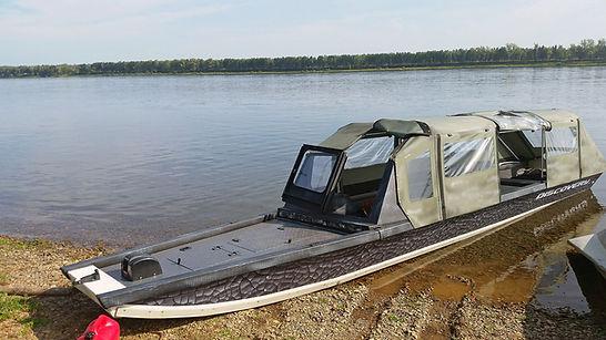 Лодка дискавери струйка  тентом