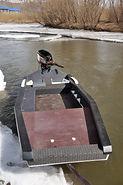 Лодка Дискавери Джонни Вид спереди
