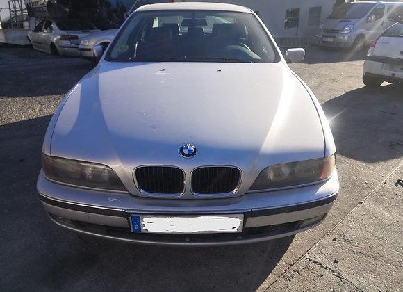 BMW 523 I E39