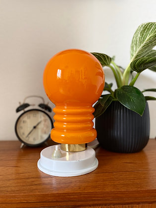Space-age table lamp