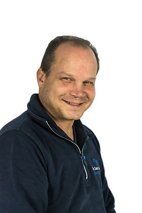 Peter Véhof - TCE servicemonteur.jpg
