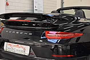 Porsche centrum Amsterdam, Modesta glascoating, Modesta BC-04, Modesta, Autopoetsen Lochem, Swissvax behandeling, lakbehandeling en lederrenovatie
