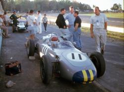 1961_Watkins_Glen_Gurney-Bonnier-McLarenV3_©_Barcboys_com