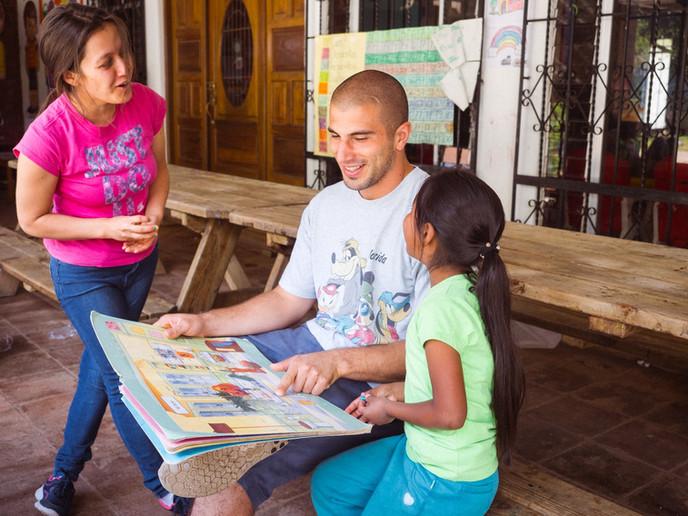childcare-volunteer-ivhq.jpg