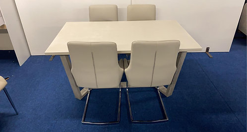 Docklands 5ft Dining Table & 4 Newport Chairs