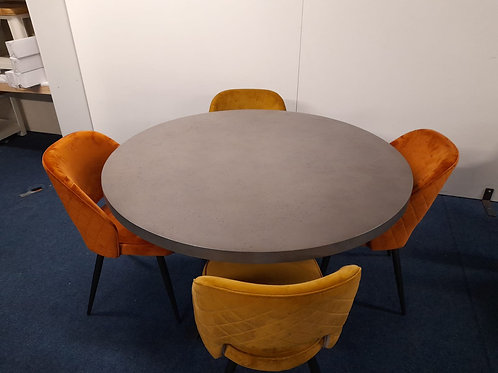 St. James Round Dining table plus 4 Sutton Chairs