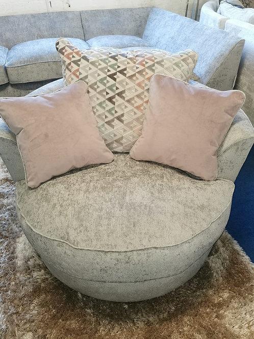 Flair (Luman) Swivel Chair