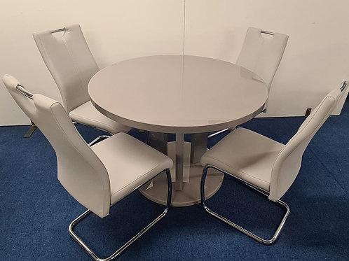 Ellie Round Dining Table plus 4 Savannah Chairs