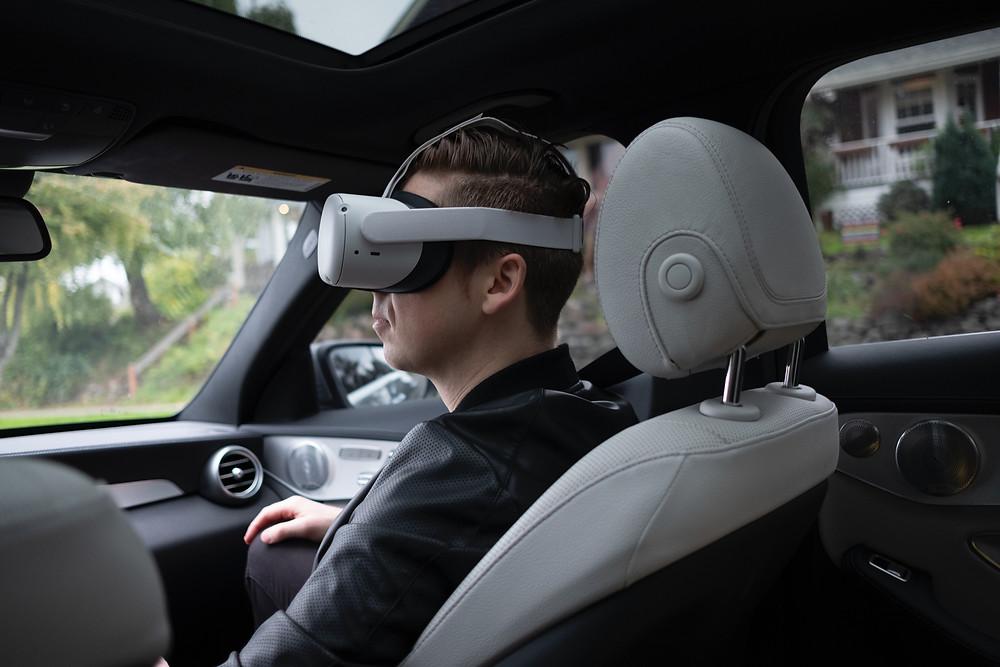 VR Erlebnisse wie bei Virtual Escape bieten einen großen Nervenkitzel und können zu einem unvergesslichen Erlebnis werden! Doch die Technik der VR- Headset schreitet voran und wir immer besser! Wie sieht es bei derr Oculus Quest 2 aus? Wir sind dem für dich auf den Grund gegangen!