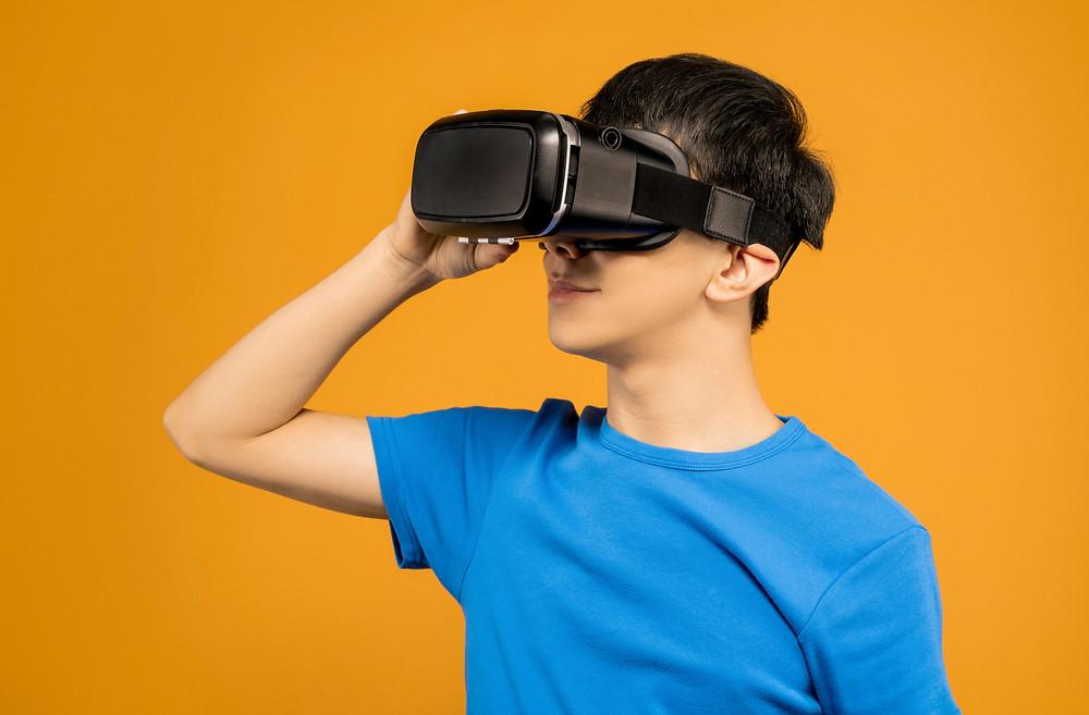 Du möchtest erfolgreich einen Virtuellen Escape Room meistern? Wir haben für dich und dein Team die besten Tipps von erfahrenen Spielern und Experten zusammengestellt.