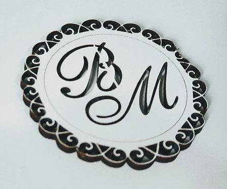 Aplique Brasão Mdf branco 5cm Monograma,casamento
