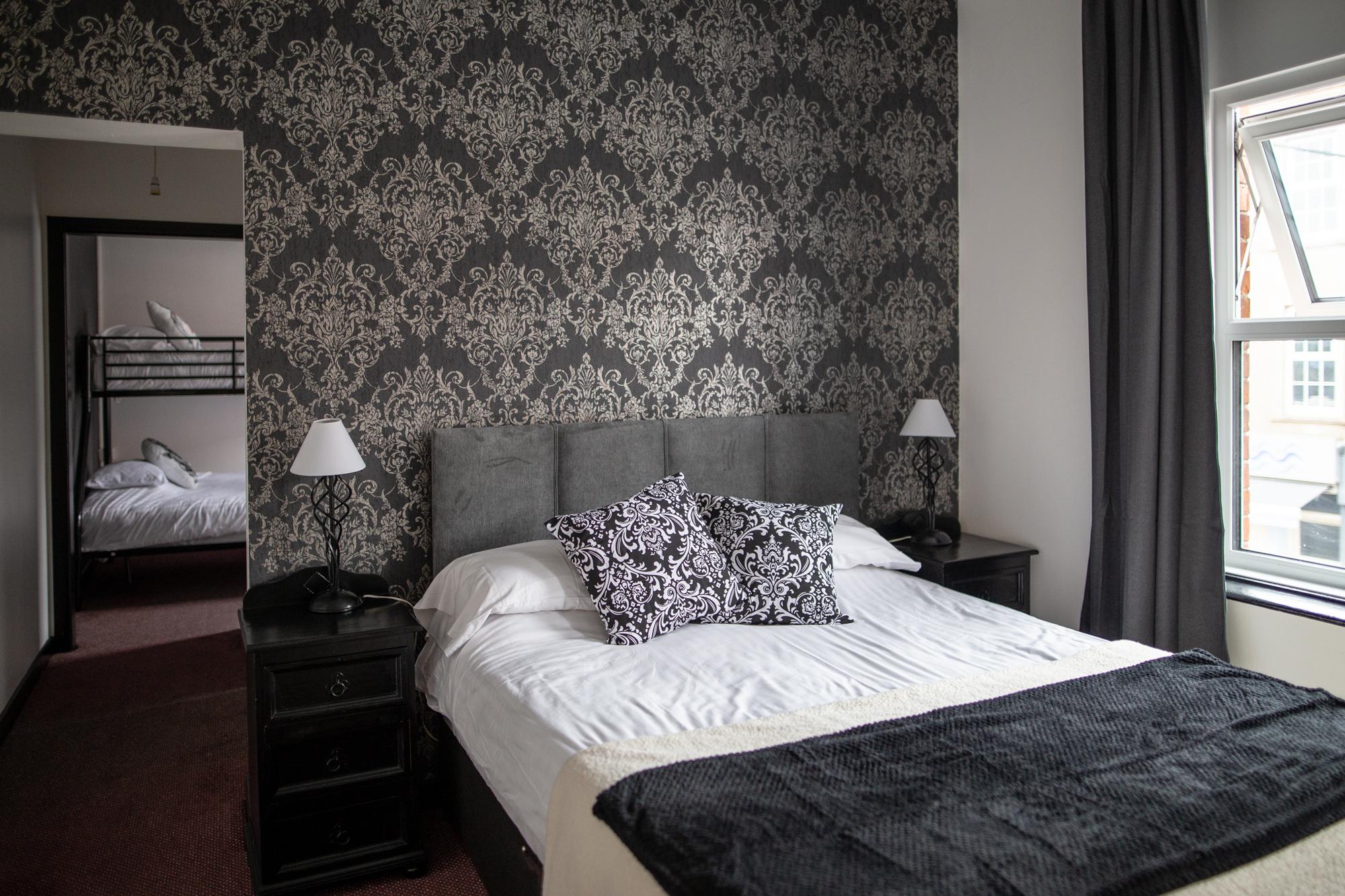 Room_six1