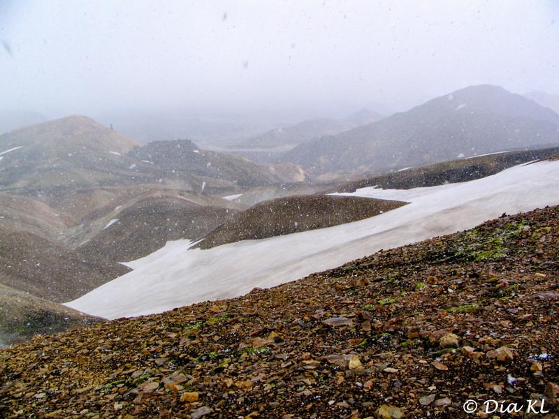 Iceland 2006, Laugavegur trek Day1, Landmannalaugar to Hrafntinnusker (12km), hailstorm