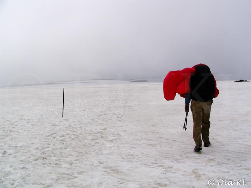 Iceland 2006, Laugavegur trek Day1, Landmannalaugar to Hrafntinnusker (12km), fog