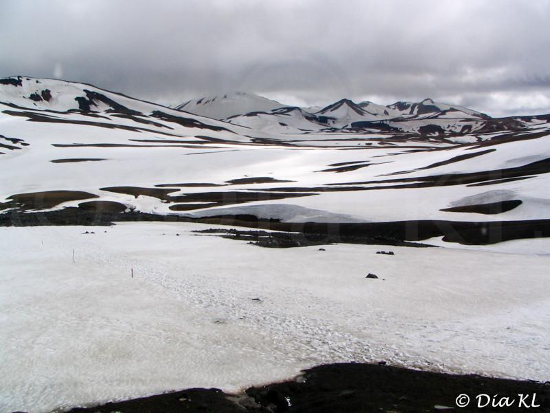 Iceland 2006, Laugavegur trek Day1, Landmannalaugar to Hrafntinnusker (12km), view from Hrafntinnusker hut