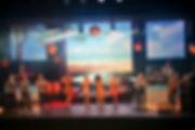 """Suspens orchestra sur scene pendant le spectacle de """"bienvenue a bord"""""""