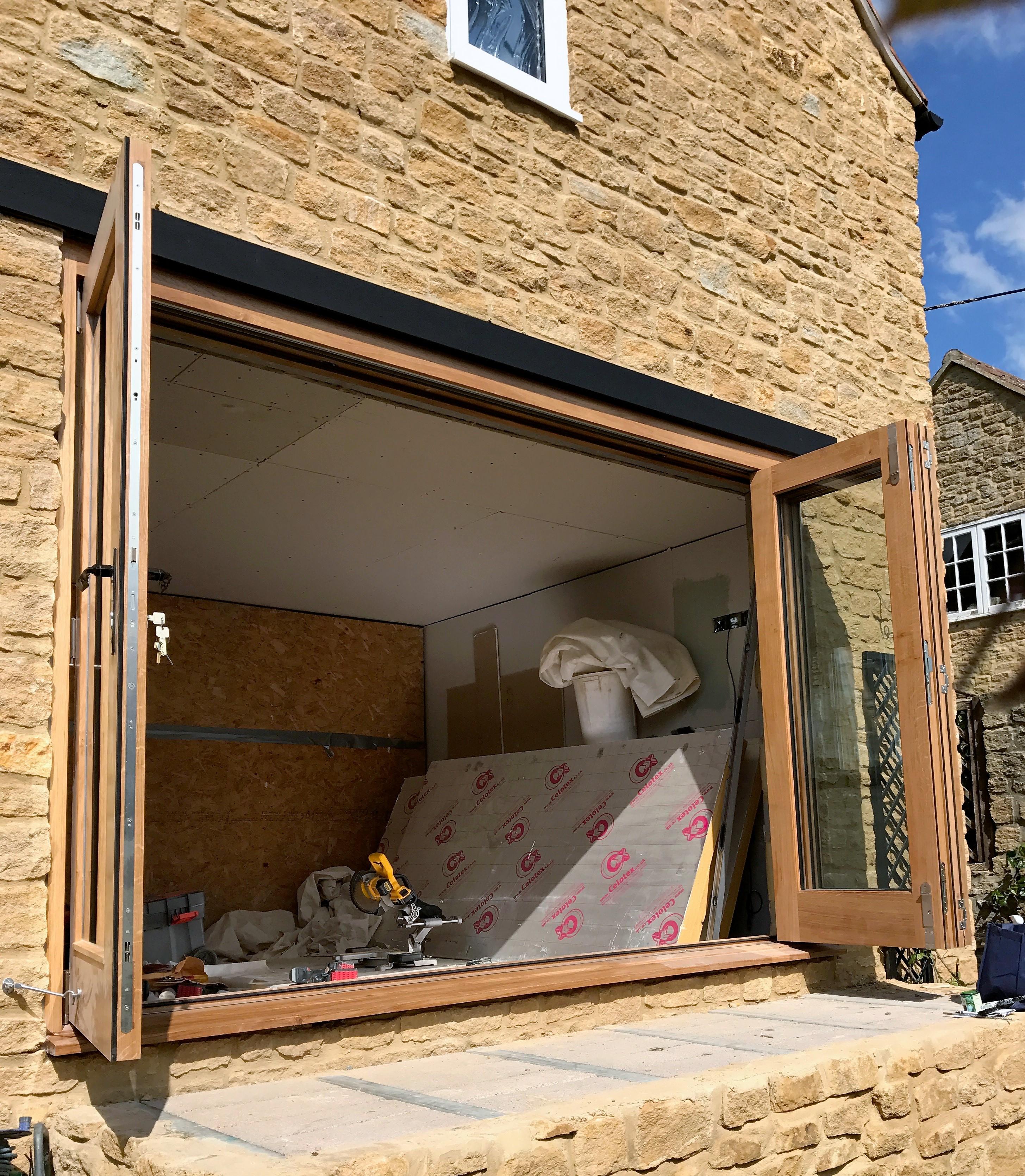 Oak Bi-folding Doors (2)