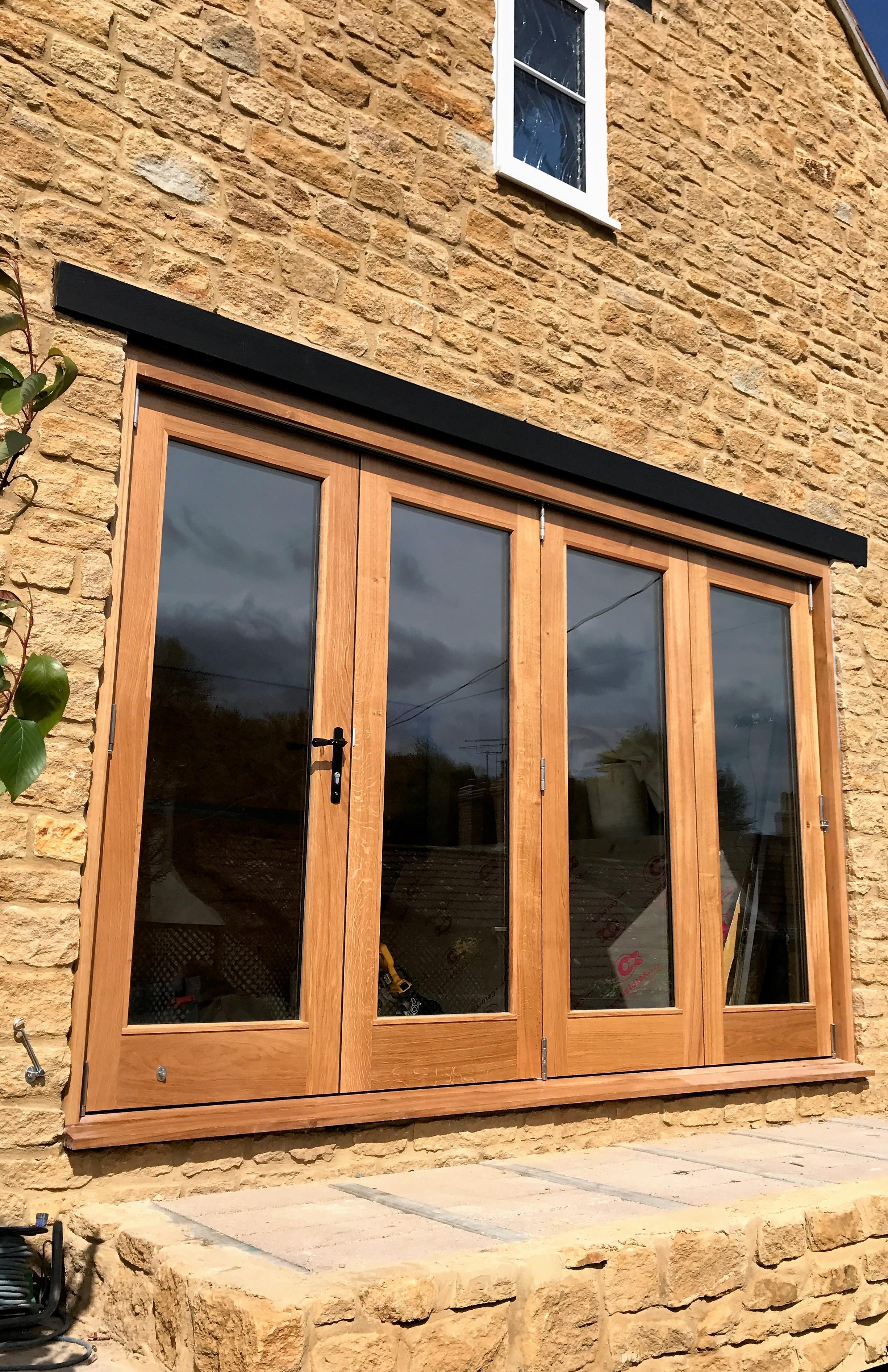 Oak Bi-folding Doors (1)