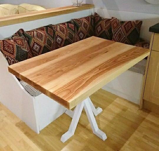 Corner Seating, Storage & Table (6)