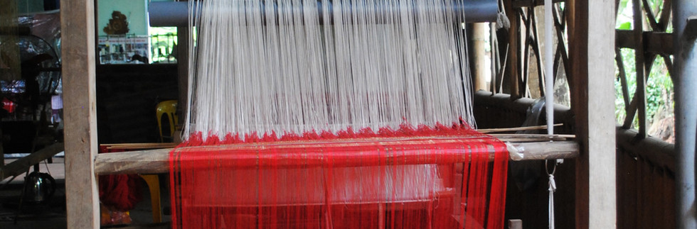 A closer look at the traditional Loom at the atelier.