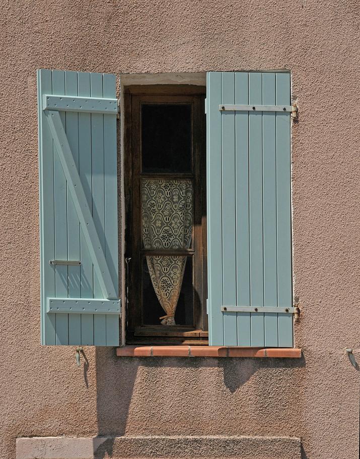 Aqua shutters