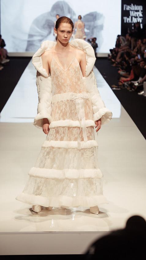 Vivi Fashion week ss 18 - by Natasha Zer