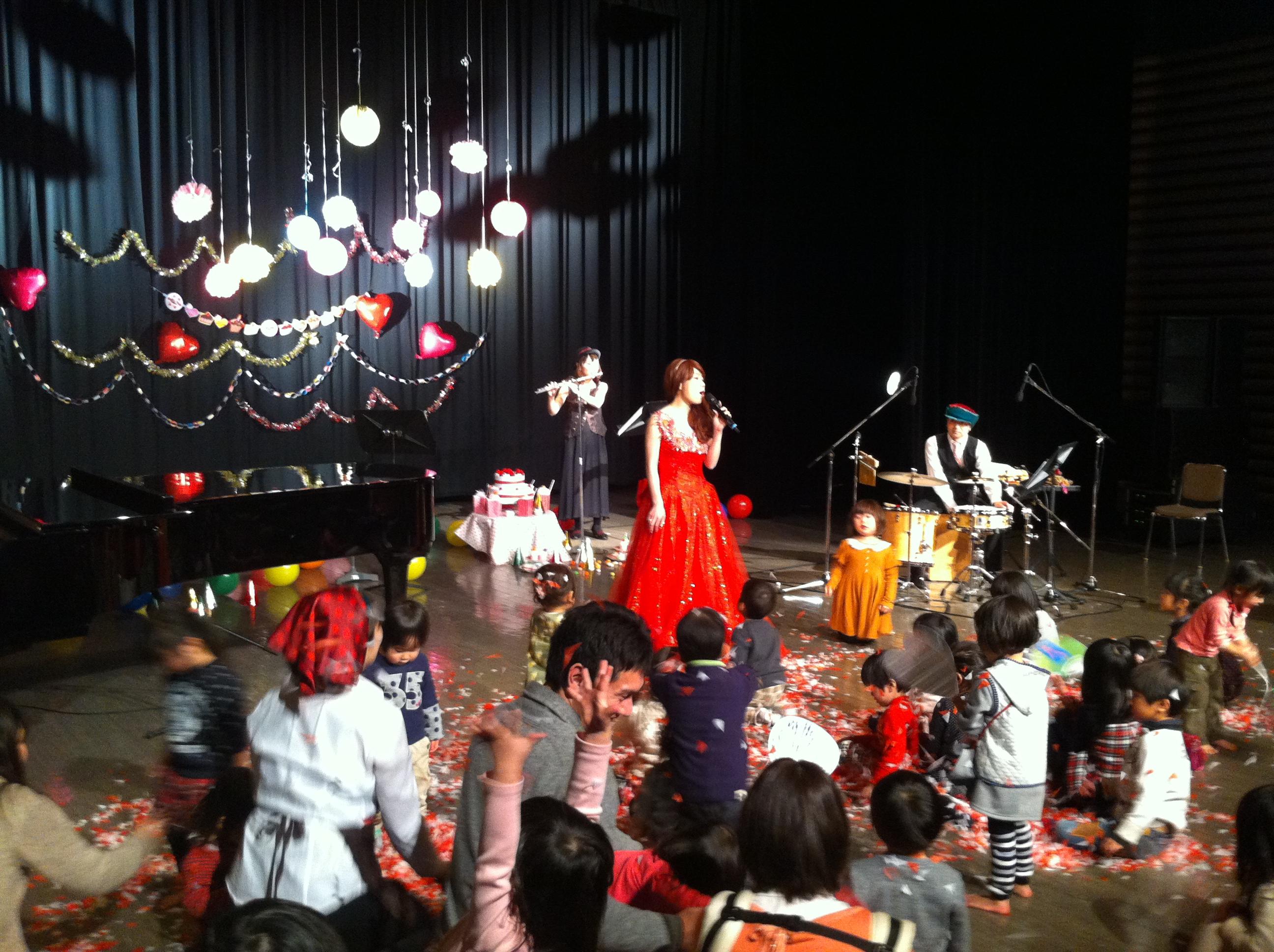 「いちごケーキとコビトたち」お城の歌姫のコンサート