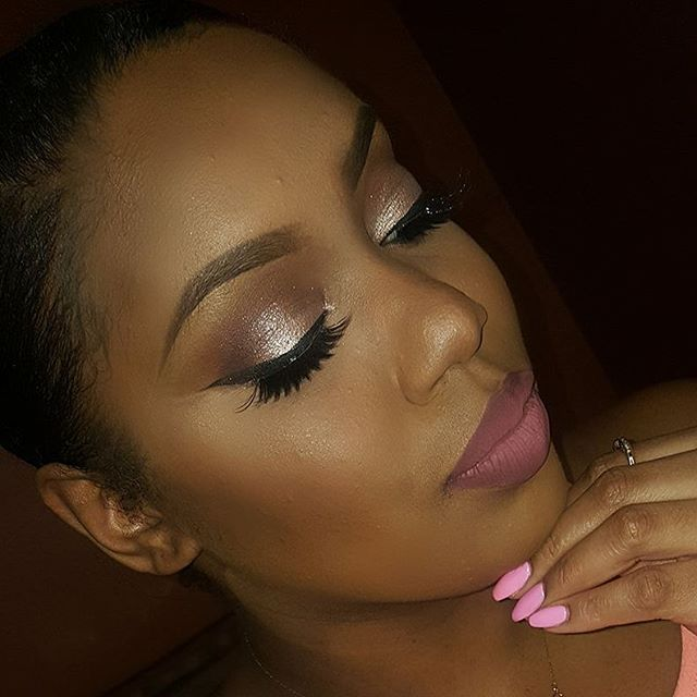 Product  details__💄 eyes_ pink champagne on the lid, Morocco and caramel in the crease and deep plu